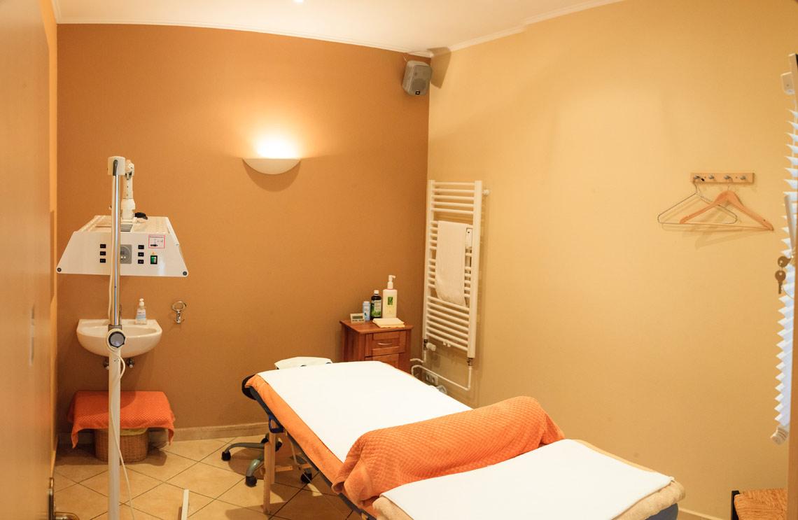 massage in winterhude team feyyaz zisciler. Black Bedroom Furniture Sets. Home Design Ideas